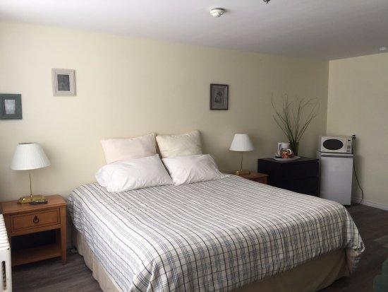 Orillia, Canada : room 103