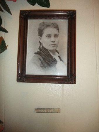 Tombstone Bordello: Pearl O'Shea