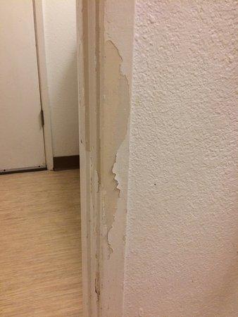 Texarkana, TX: Bathroom door frame