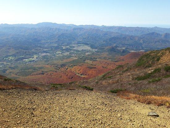 Mt. Iwaki: Ridge walk from the lift