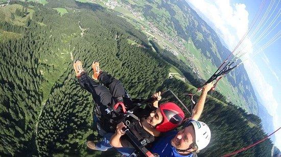 Westendorf, Österreich: Paragliding