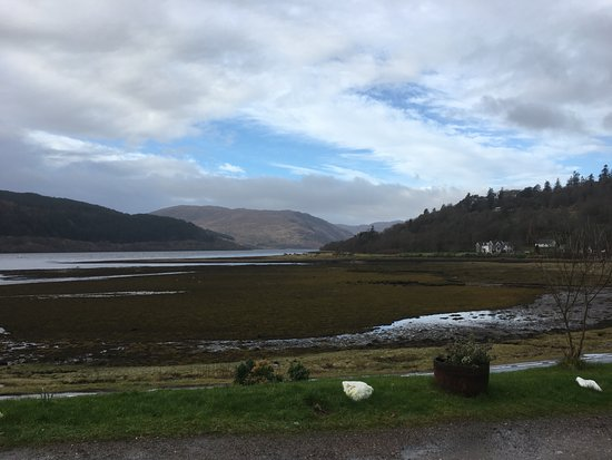 Strontian, UK: View of Loch Sunart from the Hotel when the tide was out.