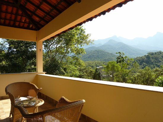 REGUA - Reserva Ecologica de Guapiacu: The balcony of Room 1 at the lodge (Photo by Sue Healey)