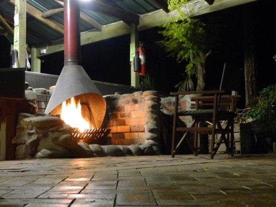 Mallacoota, Australien: Cosy Open Fire Place
