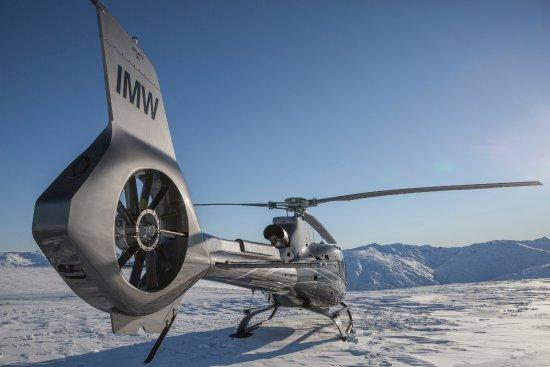 Квинстаун, Новая Зеландия: Glacier Southern Lakes Helicopter's luxury model Airbus H130 T2