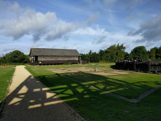 Coventry, UK: Granary and Gyrus at Lunt Roman Fort