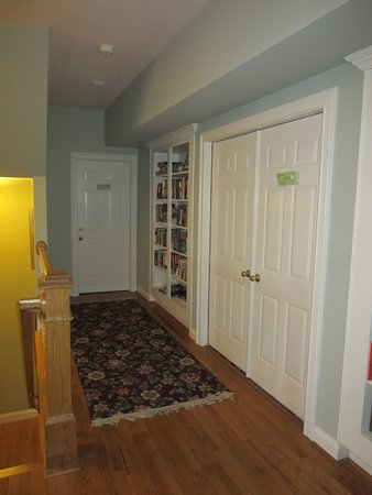 Oxford, OH: WGI Upstairs Guest Room Access