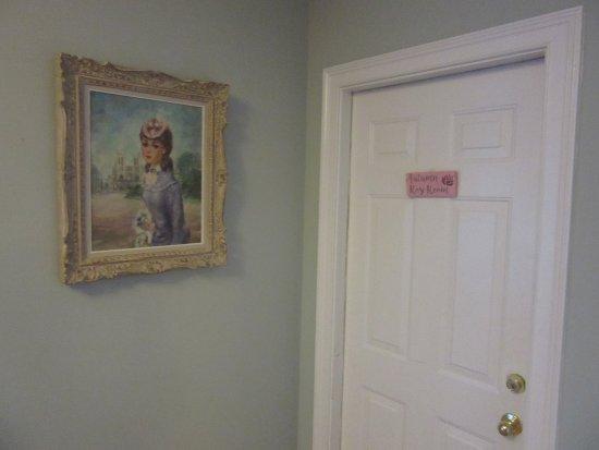 Oxford, OH: WGI Autumn Rose Room Entry