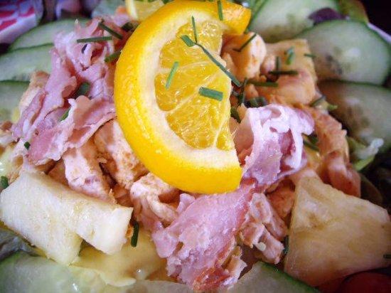 Hengelo, Países Bajos: Bacon with salad