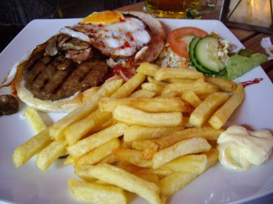 Hengelo, Países Bajos: Burger and chips