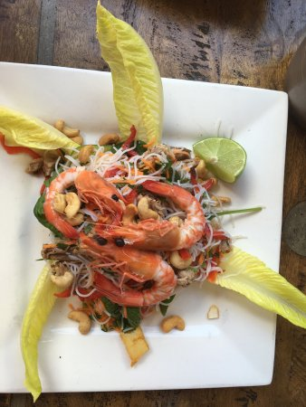 Bellingen, Australia: Vietnamese pork and prawn salad