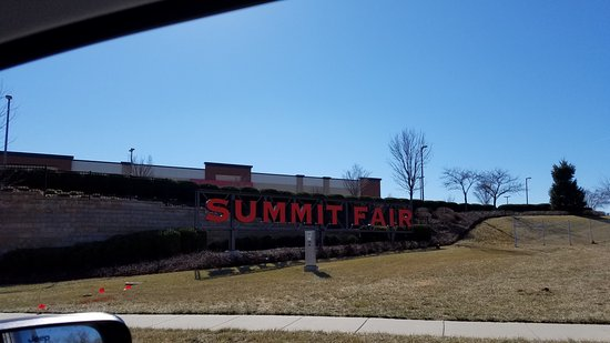 Lee's Summit, MO: entrnace