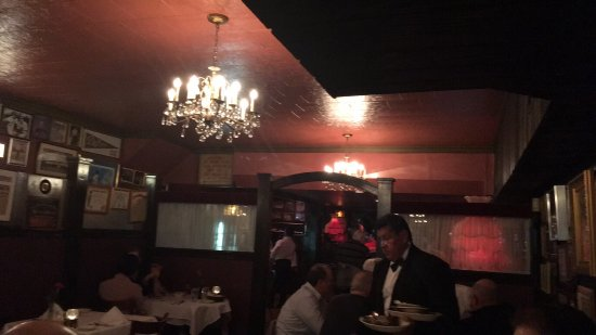 Photo of Italian Restaurant Bamonte's Restaurant at 32 Withers St, Brooklyn, NY 11211, United States