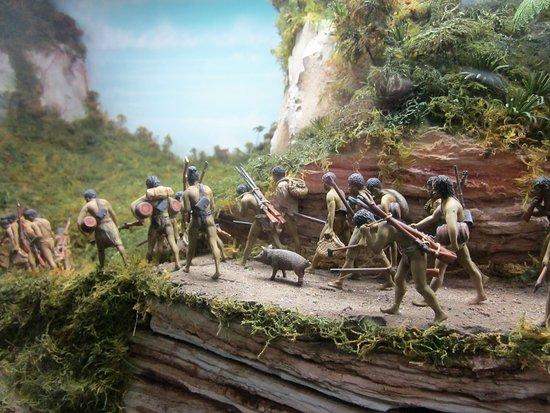 Tawhiti Museum: Model depiction of Waikato invading Taranaki