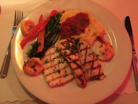 South San Francisco, Californie : Grilled Seafood Combination