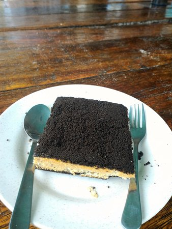 Tip Top Beach Bar and Restaurant: Oreo cheesecake