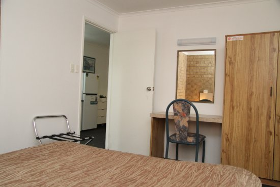 Tweed Harbour Motor Inn: 2 bedroom Room/suite with Kitchenette
