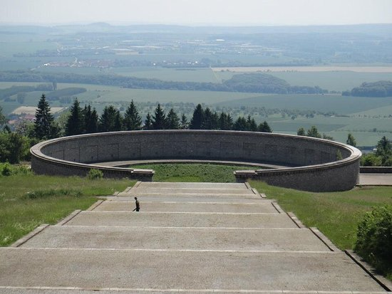 Weimar, Deutschland: One of the three ring graves Glockturm Memorial Buchenwald Memorial - Concentration Camp