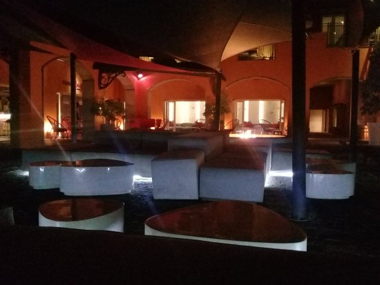 Terre Rouge: Outside Relax Area