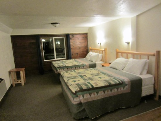 Tropic, Γιούτα: 3 queen cabin