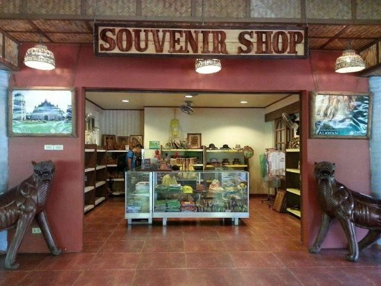 Souvenir shop picture of villa escudero resort san Villa escudero room pictures