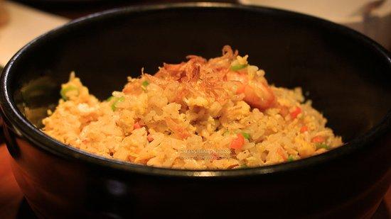 Cafe Sambal : Seafood Fried Rice (RMB80) r ya kidding meh..?