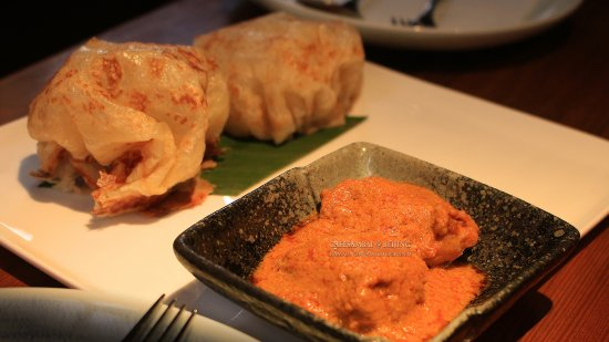 Cafe Sambal : Roti Canai with Curry Chicken
