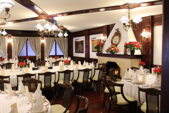Tacoronte, Spain: Salón comedor con chimenea