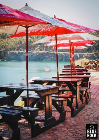 Blue Rock Adventure Park: Outdoor seating area's to enjoy the view and a meal from our restaurant.