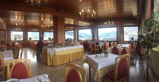 Patsch, Austria: Amazing view to Valley from the hotel terrace