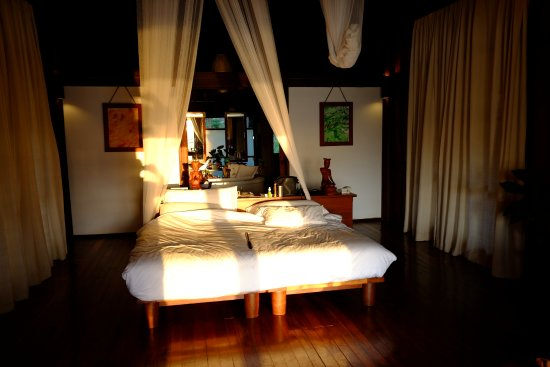 Villa Inle Resort & Spa: Room with mosquito net
