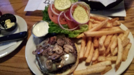 Waldorf, MD: Mushroom burger with fries