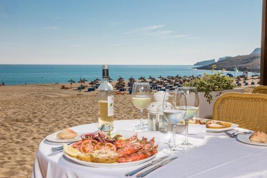 Cala Mesquida, Spain: A fantastic menu of grilled fish, meats and vegetables.
