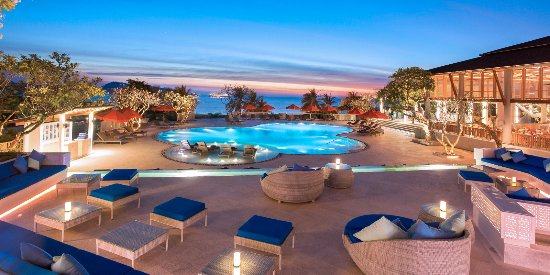 Diamond Cliff Resort and Spa: View from Ocean View Pool Bar