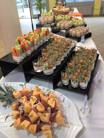 Spiez, Switzerland: le buffet bien garnis