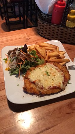 Game on Sports Pub: Chicken Parm with Chips