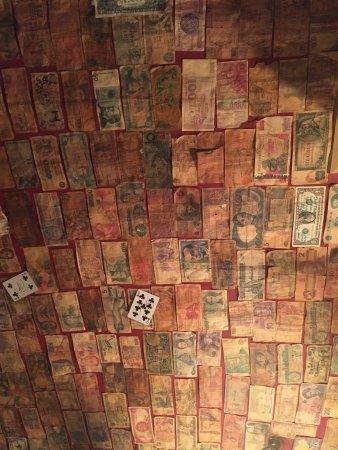 Bury St. Edmunds, UK: ceiling shit