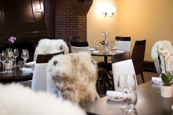 Horsham, UK: Benguela Brasserie Set for Lunch