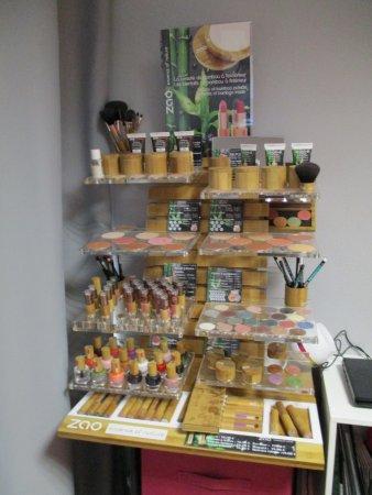 La Richardais, Prancis: Le Maquillage Zao Make Up