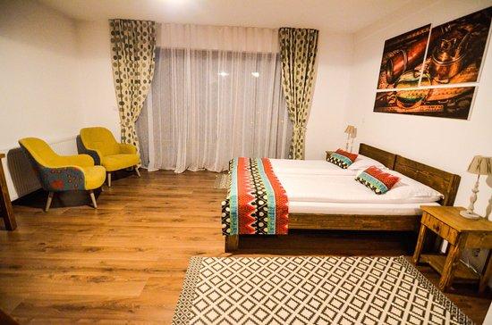 Toplita, Румыния: family room