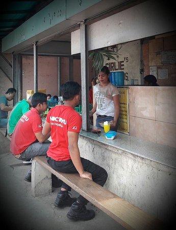 Malvar, Filippinerne: 🍜🍴