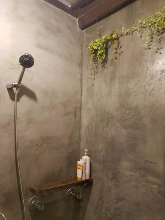 Khao Tao, Tailandia: cleanness and spacious shower room