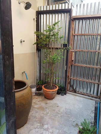 Khao Tao, Tailandia: local style shower room and always comfy