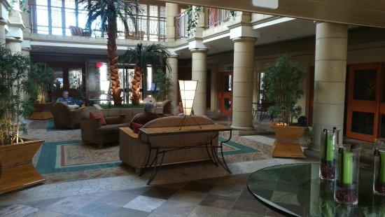 Atrium Hotel at Orange County Airport Foto