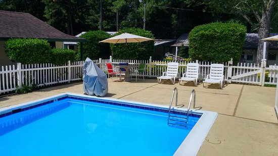 Anvil Campground: Pool with handicap lift!