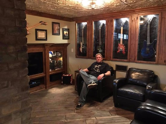 Paso Robles, Καλιφόρνια: Relaxing and sipping wine in the finest living room in the world.