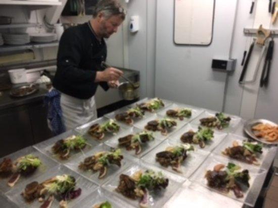 La Fouly, Suiza: Préparation en cuisine