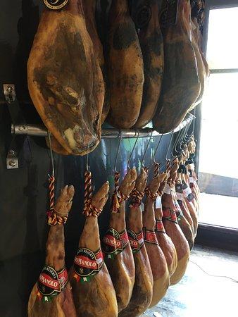 Nijar, Spain: les jambons de pays