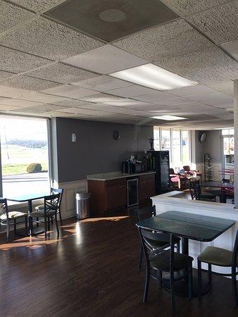 Gallipolis, OH: Breakfast Area