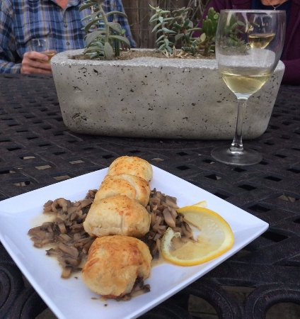 Columbus, TX: Yummy quail Wellington